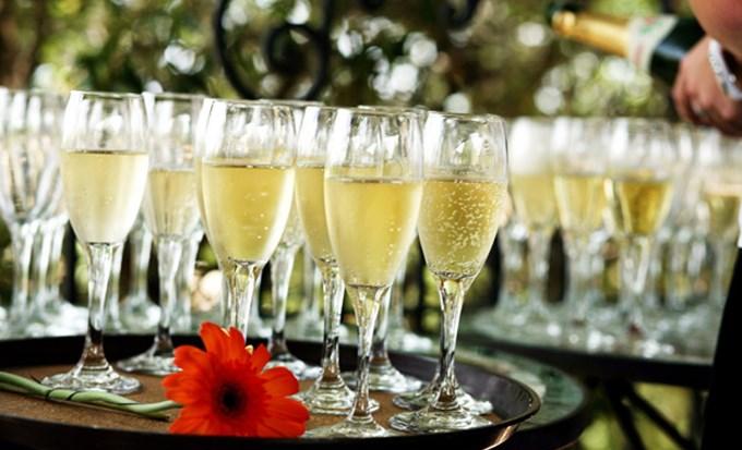 vin d honneur quantite champagne. Black Bedroom Furniture Sets. Home Design Ideas