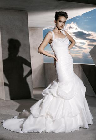 robe de mari e festival de cannes 2012 la tra ne en vogue le site du mariage. Black Bedroom Furniture Sets. Home Design Ideas