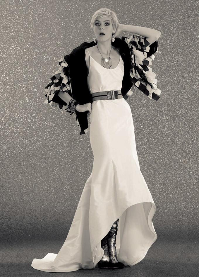 robe de mari e shooting tendances version originale le site du mariage. Black Bedroom Furniture Sets. Home Design Ideas