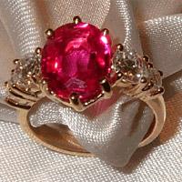 Une pierre de couleur pour des fiançailles ?
