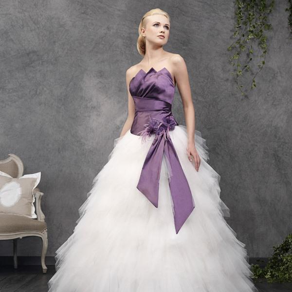 Robe de mari e color touch le site du mariage for Robes de douche de mariage