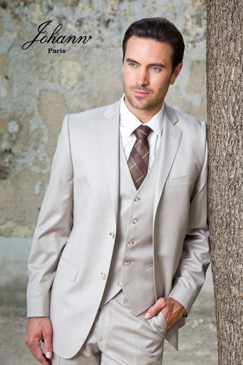 Johann, Costume 3 pièces en laine extra-fine sable satin. En prêt-à-porter ou sur mesure
