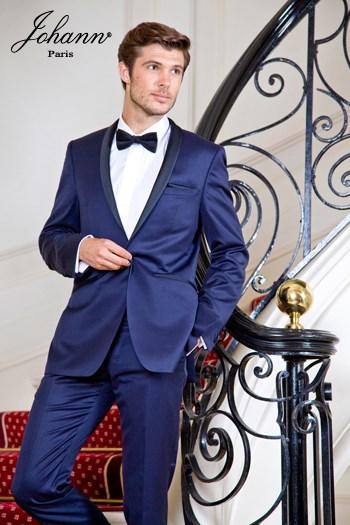 Johann, Smoking en laine extra-fine bleu col châle satin noir. En prêt-à-porter ou sur mesure