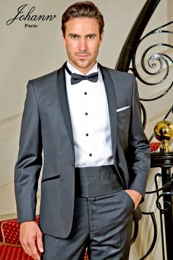 Johann, Smoking en laine extra-fine gris, col châle satin noir. En prêt-à-porter ou sur mesure