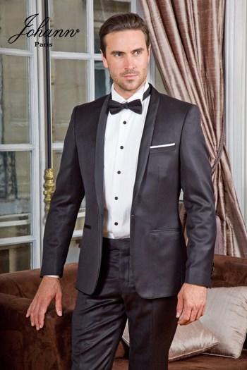 Johann, Smoking en laine extra-fine noir, col châle satin noir avec liseré. En prêt-à-porter ou sur mesure.