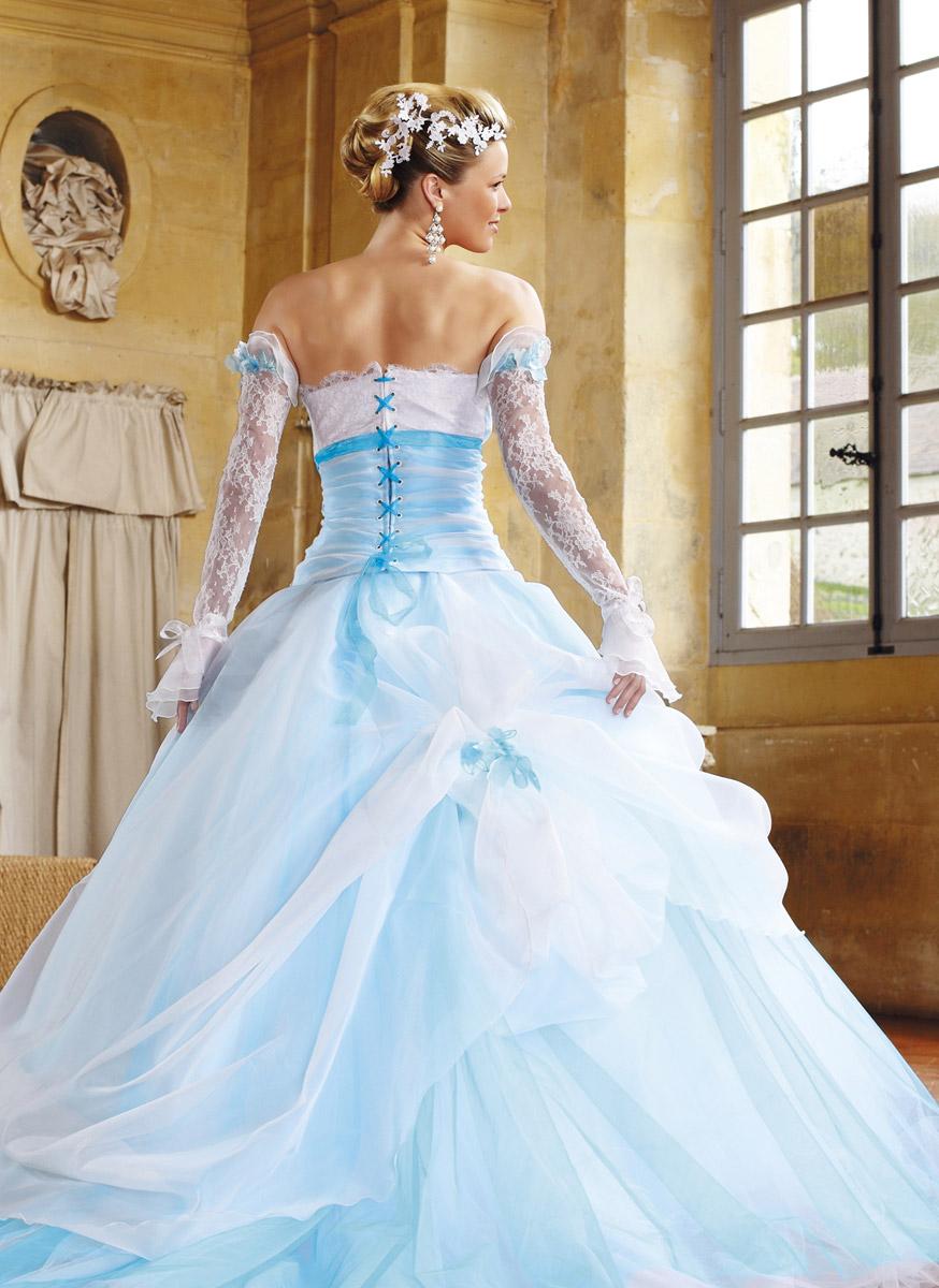 Eli shay domino blanc et turquoise sur le site du mariage for Robe blanche et bleue pour mariage