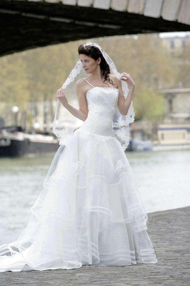 Mariées de Paris, Camille