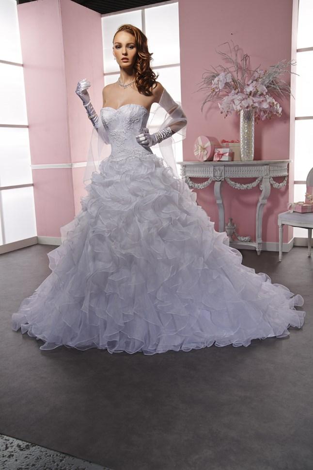 Sposa Wedding, Madame