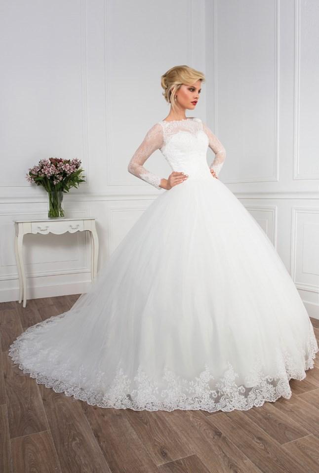 Love Wedding, Baronne