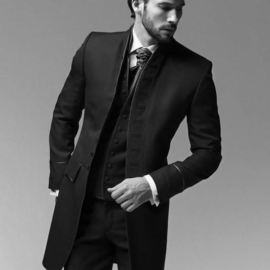 Création Morgan propose aux hommes une ligne complète de vêtements de  soirée et de cérémonie 60e23c44de7