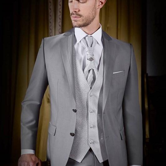 La boutique pour le Marié   Costumes Homme et Accessoires avec les articles  Guy Laurent Paris b66704908f9